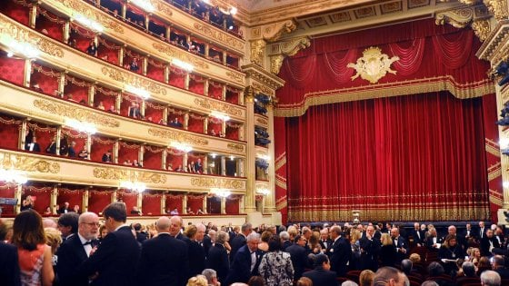"""Milano, tutte le prime in un maxi-abbonamento:  la """"prima volta"""" del teatro alla Scala"""
