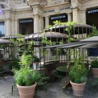 Milano, meno tre giorni all'apertura di Starbucks: ultimi preparativi in Cordusio
