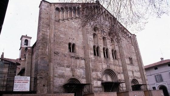 9b0ea110d299 Pavia
