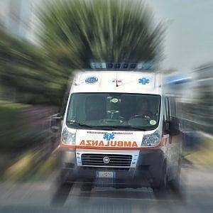 Auto si ribalta nel Comasco, morti tre ragazzi tra i 19 e i 21 anni