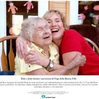 Milano: a Palazzo Marino in mostra i sorrisi oltre l'Alzheimer