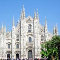 Si fingono ricche turiste e borseggiano una 44enne in piazza Duomo a Milano: prese da un poliziotto in borghese