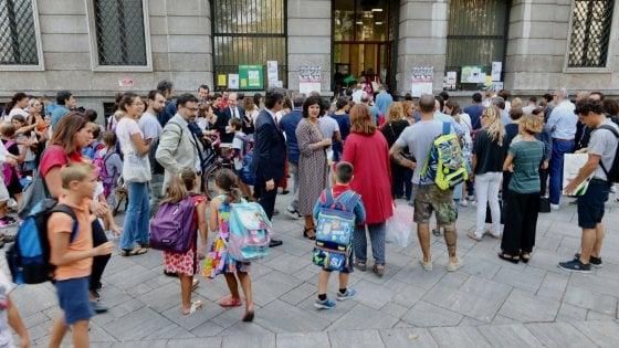 Lombardia, il calo demografico sui banchi di scuola: quest'anno ci sono tremila studenti in meno