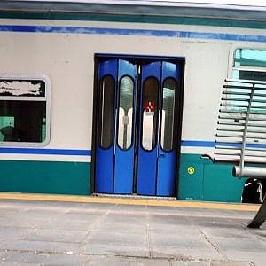 Rapine sui treni, presa la gang delle stazioni: nel mirino studenti del Milanese