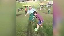 Sondrio, cha fatica fare gol: il torneo di calcio alpino è...in pendenza