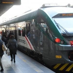 Como, disavventura sul treno: si stacca un pezzo ma la corsa prosegue tra le proteste