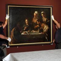 """Brera, """"Vi invitiamo a un'altra cena"""": Caravaggio vola a Parigi, arriva un Rembrandt"""