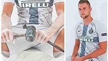 L'Inter presenta la terza maglia: è ispirata    al marmo del Duomo