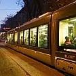 Milano, travolto e ucciso    nella notte da un tram    della linea 9 in pieno centro