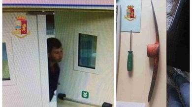 Preso l'Arsenio Lupin degli ospedali: armato di piccone, rubava ai distributori automatici