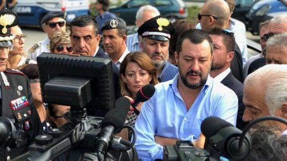 """Raid razzista di Milano, Salvini: """"Solidarietà alla scuola. Follia legare raid vigliacchi alla politica del governo"""""""