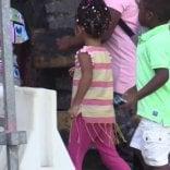 Lodi, stranieri esclusi dalle  agevolazioni mensa a scuola:  bimbi in classe con il panino
