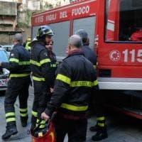 Milano, tenta di far esplodere la palazzina dove abita e si impicca: i vigili del fuoco evitano la strage
