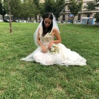 Milano: in metrò, nei parchi, in centro, il mistero della sposa triste corre sui social
