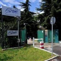Accoltellò 3 uomini in un club per scambisti a Milano: arrestato 37enne