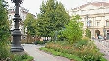 Piazza della Scala si trasforma in un giardino per la Fashion Week