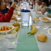 Bene la pizza male il minestrone: i bambini di Milano Ristorazione danno