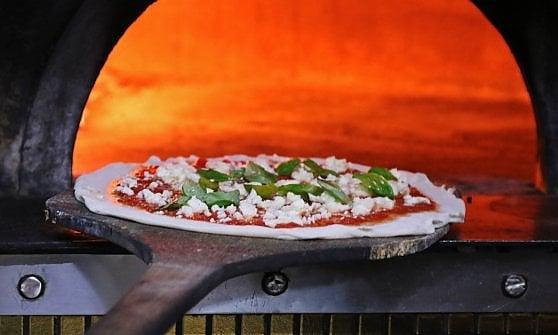 Bene la pizza male il minestrone: i bambini di Milano Ristorazione danno i voti al menù nelle scuole