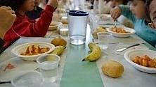 Bene la pizza, male il minestrone: i bimbi di Milano Ristorazione danno i loro voti ai menù