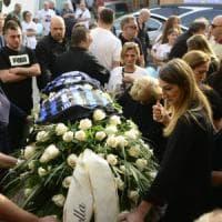 Milano: folla ai funerali di Andrea, il 15enne morto per un selfie