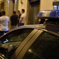 Milano, fugge all'alt della polizia: tenta di investire un agente, arrestato