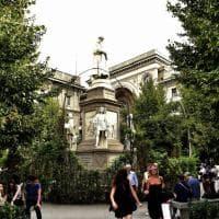 """Milano Fashion Week, il """"green carpet"""" della Scala donato al Comune: 8mila piante per la città"""