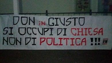 Attacco in parrocchia di Forza Nuova, blitz notturno contro il prete che accoglie i migranti: