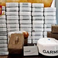 Milano, magazzino della droga in un garage: una tonnellata di hashish sequestrata