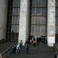 Accusato di abusi su una 14enne a Milano, pm chiede archiviazione: