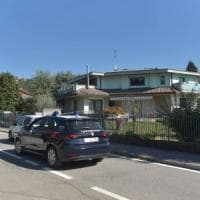 Bergamo, sei colpi di pistola contro l'ex moglie: gravissima. L'uomo è in fuga