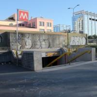 Violenze sessuali, 17enne aggredita vicino al metrò riesce a scappare: in ospedale a Milano
