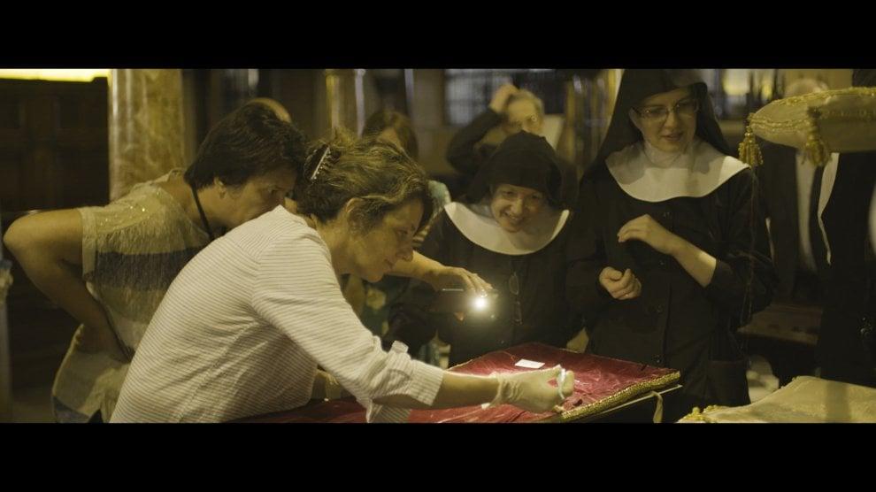 Milano, una Tac sul corpo del santo: le analisi sullo scheletro di sant'Ambrogio