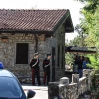 Ucciso a coltellate e bruciato, la vittima è un professore di Bergamo di 58 anni