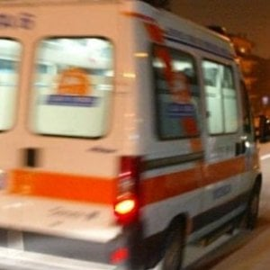 Milano, autobus investe 52enne che attraversa sulle strisce: non è in pericolo di vita