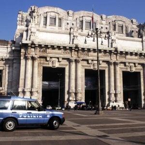 Milano, parcheggiatori abusivi in Centrale: emessi 3 daspo urbani