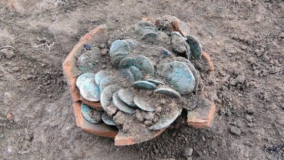 Scoperto nel Cremonese un tesoro di monete romane