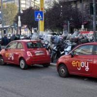 Milano, due furti di auto Enjoy a distanza di 12 ore: denunciati tre minorenni