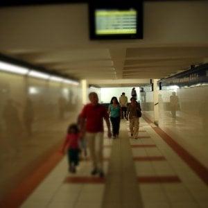 Spray al peperoncino in stazione a Monza: malori tra i pendolari, denunciato 21enne