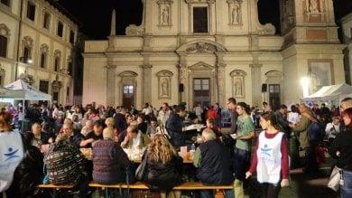 """""""Notte dei senza dimora"""", la Milano solidale dorme con i clochard  ·   Foto"""