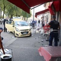 Brescia, auto piomba sui tavolini di un bar e travolge una donna uccidendola