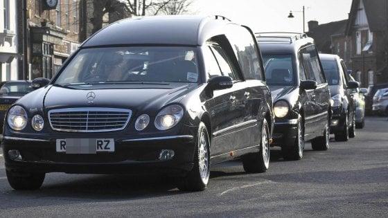 Pochi vigili, Monza abolisce i cortei funebri