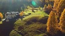 Livigno: in volo col drone sui colori dell'autunno