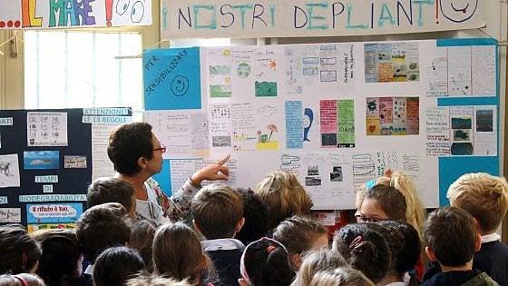 Milano, #oggiraccolgoio: i bambini salgono in cattedra e ins
