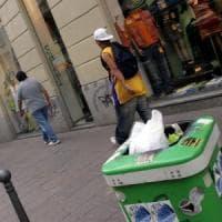 Milano, aumentano ancora i 'furbetti del cestino': nuova campagna contro