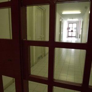"""Bergamo, visita parenti con """"sorpresa"""": porta al figlio in carcere 2 polli farciti di hashish"""