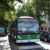 Milano, molesta 14enne sull'autobus: arrestato per violenza sessuale