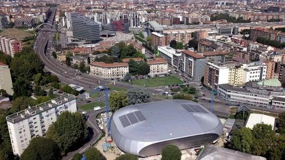 Olimpiadi invernali 2026, a Milano gli ispettori del Cio: visita al Palalido e a Santa Giulia