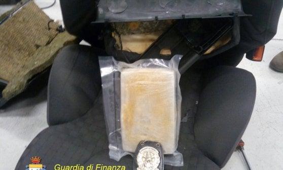 Malpensa, arrestata banda di corrieri di droga: ingerivano fino a 100 ovuli a testa