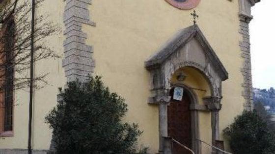 """Bergamo, i musulmani vincono l'asta della Regione sulla chiesa: """"Diventerà la nostra moschea"""""""