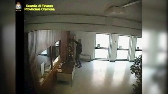 Cremona: furbetti del cartellino a scuola, 9 denunciati